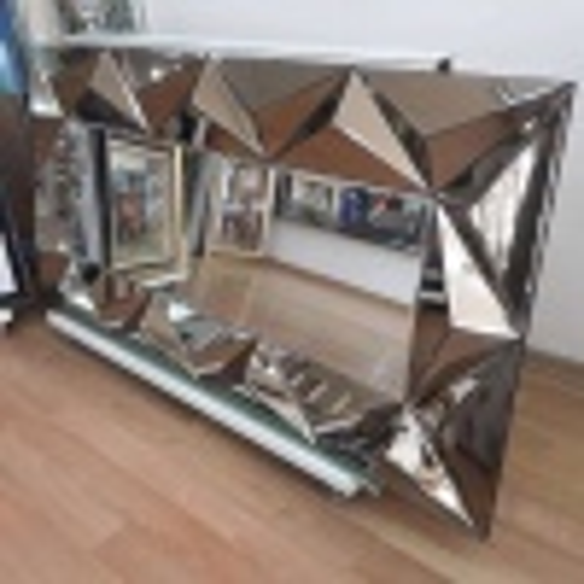 Piramit Modern Duvar Aynası
